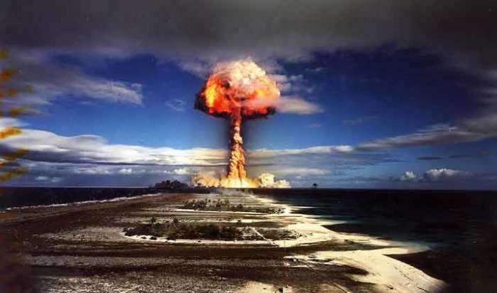 Бомба, которая воспламеняет атмосферу.