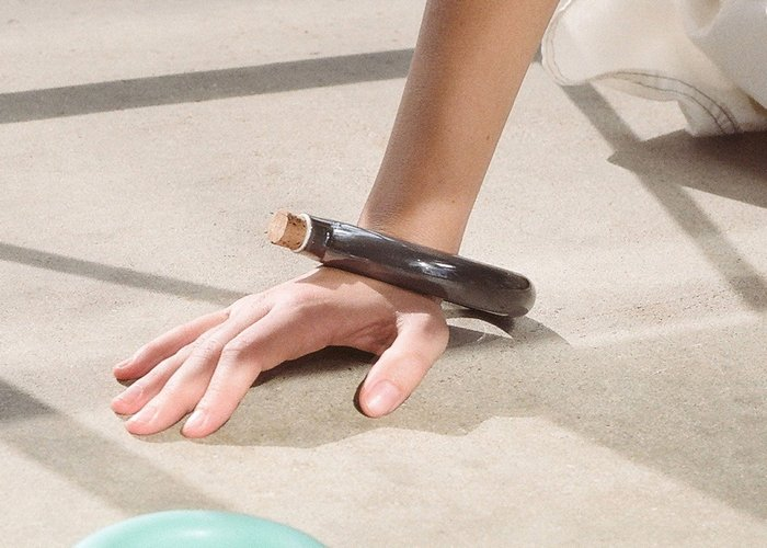 Керамический браслет-колба.
