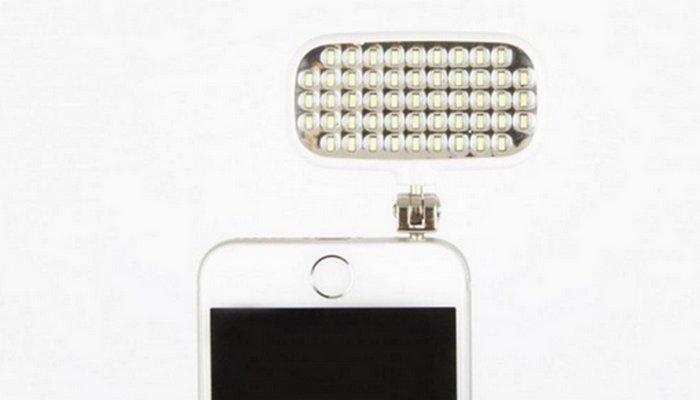 Карманная вспышка «Avoi» подходит для всех смартфонов.