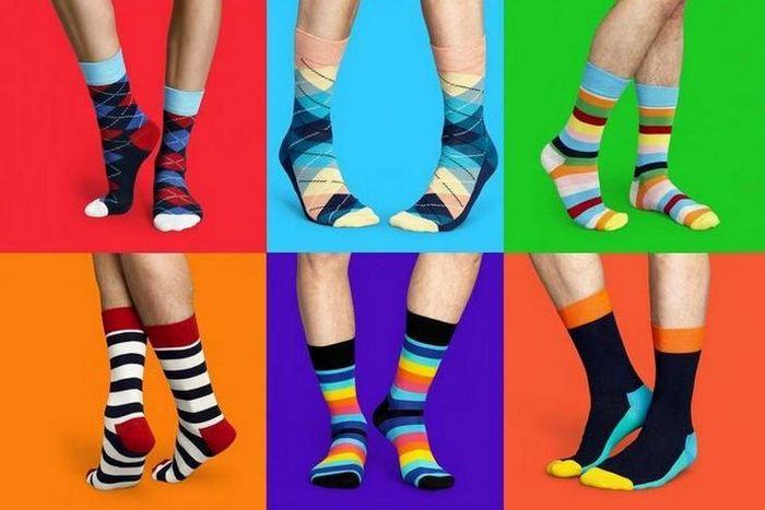 Пестрое разнообразие носков.