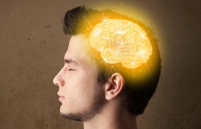 Типичная проблема умных людей: думают больше, чем говорят.