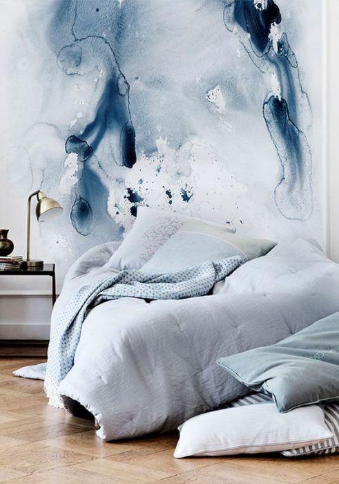 Синий - идеальный цвет для спальни.