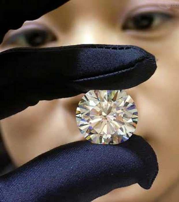 Если блестит не золото, возможно, это бриллиант.