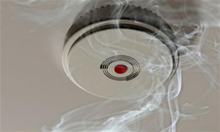 Детектор дыма как обязательный аксессуар.