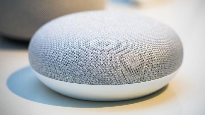 Google Home Mini - да, это тоже динамики.