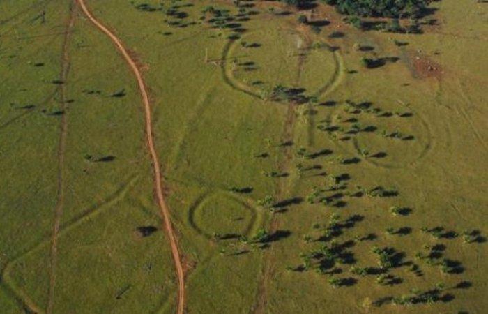 Обнаруженые с помощью дрона древние геоглифы в Амазонии.