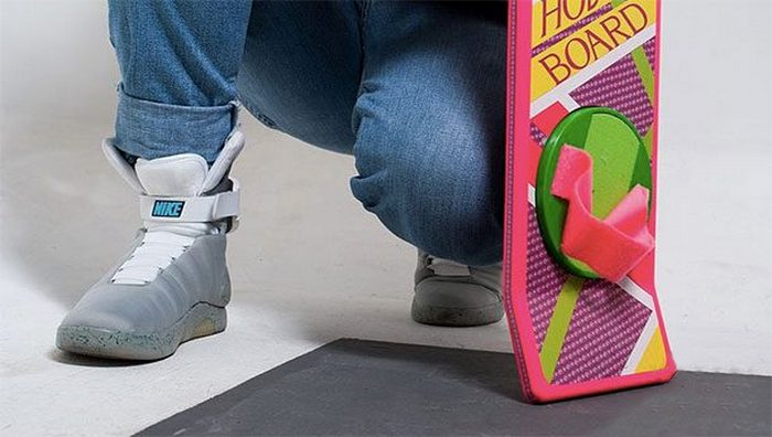 Кроссовки с автошнуровкой Nike Mag.