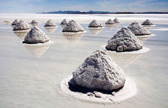 Экстремальное место: высохшее соленое озеро Салар де Уюни.