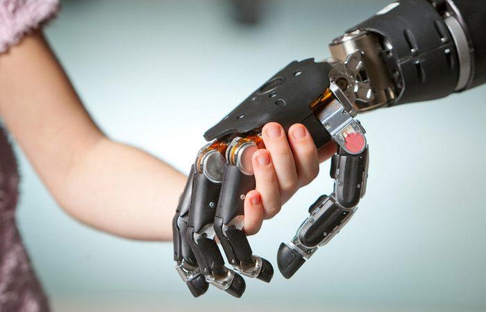 Фантастическая технология: бионические конечности.