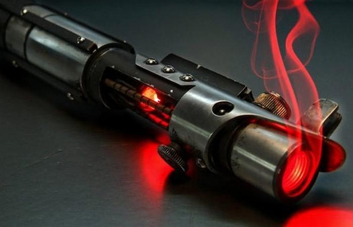 Фантастическая технология: лазерное оружие.