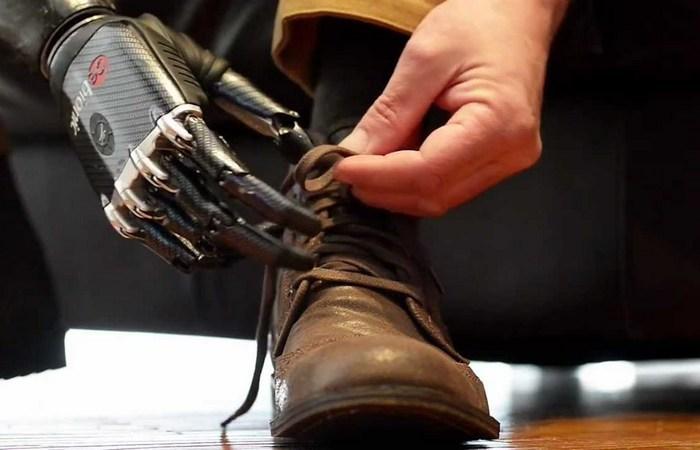 Фантастическая технология бионических конечностей.