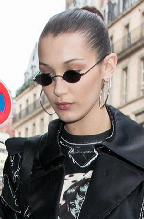 Лихая мода «лихих 90-х»: маленькие солнцезащитные очки.