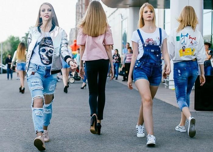 Всем обязательно нужно носить джинсы?