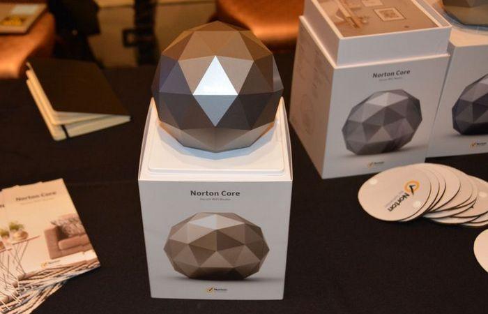 Роутер Core от Norton.