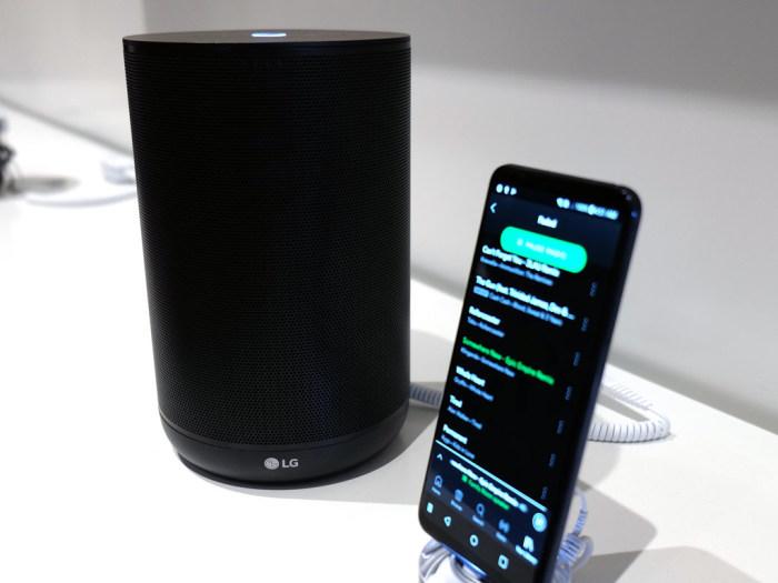 Умный динамик LG ThinQ Speaker.