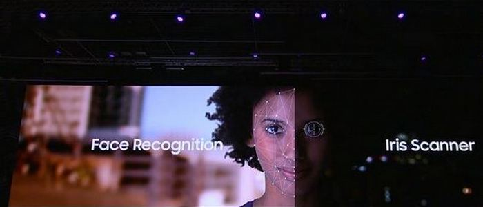 S9 умеет распознавать глаза и лицо.