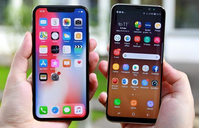 Samsung Galaxy S9 и iPhone Apple X.