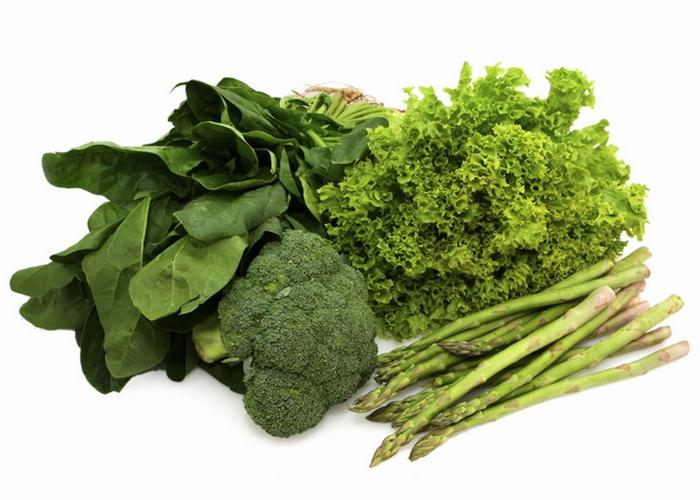 Зеленые листовые овощи - это полезно и правильно.