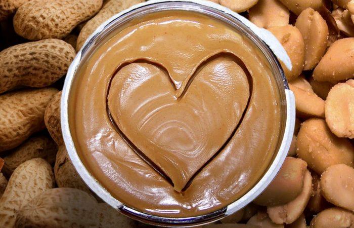 Полезная еда: арахисовое масло.