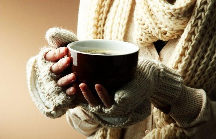 Кофе зимой взбодрит и согреет.