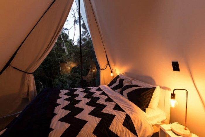 Палаточный дом Криса Тайта.