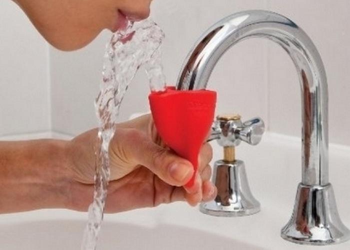 Полезный гаджет для дома: «Питьевой фонтанчик для крана».