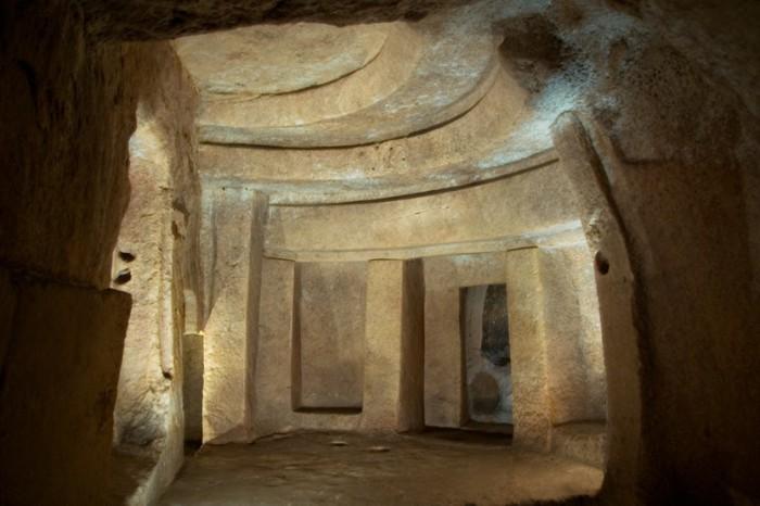 Хал-Сафлиени - подземных храм, построенный в 4000 г. до н.э.