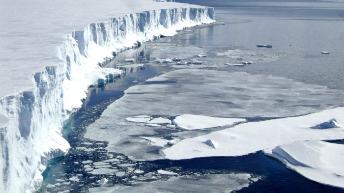 Таяние льдов.