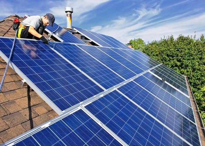 Монтаж ОФП (солнечных батарей) на крыше.