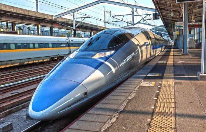 Японское изобретение: скоростной поезд.