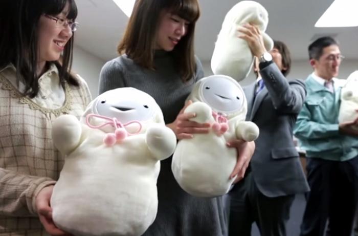 Японские роботы-младенцы и другие невероятные способы контроля рождаемости.
