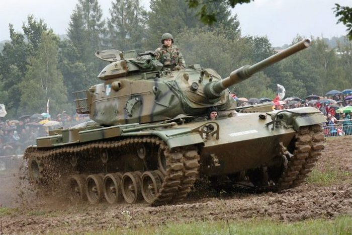 Танк M60 как объект для кражи.