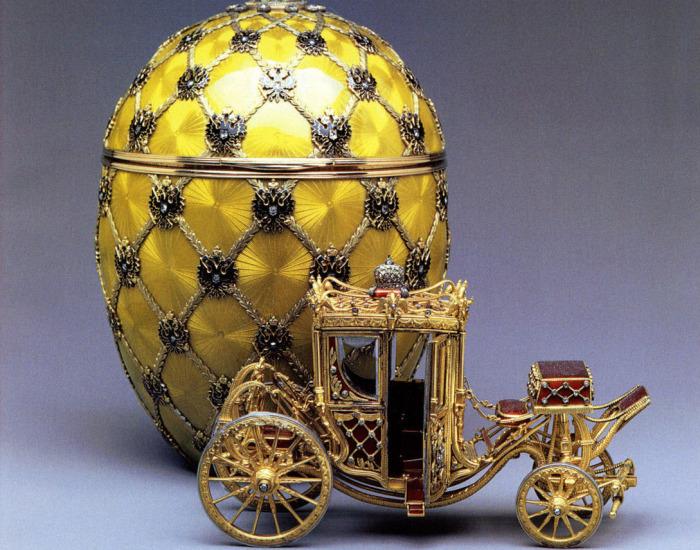 Одно из знаменитых яйц Фаберже.