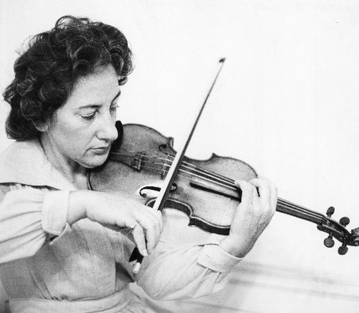 Знаменитая скрипачка Эрика Морини.