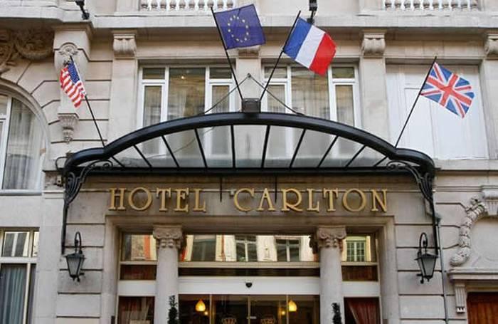 Парижский отель Carlton Hotel.