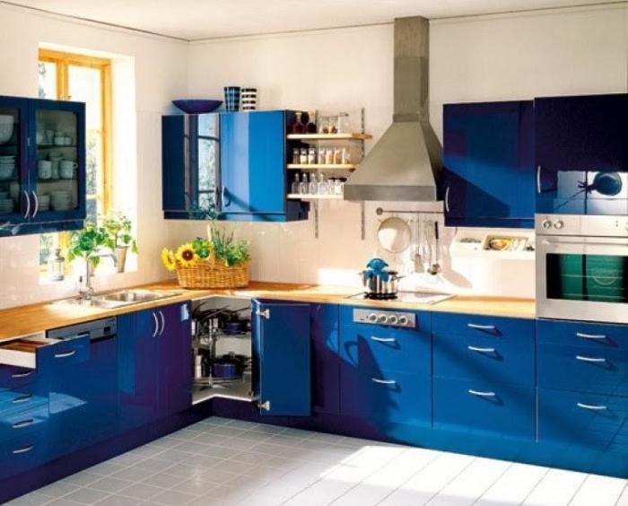 Правильно выбрать цвет кухни - дорогого стоит.
