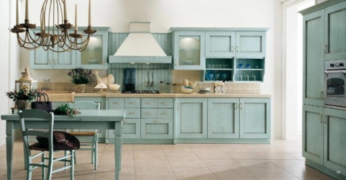 Кухня в светло-голубых тонах.
