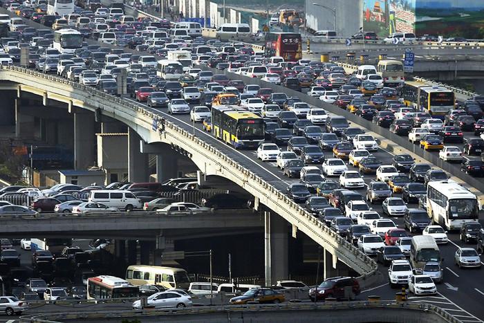 Лос-Анджелес - город автомобильных пробок и потерянных людей.