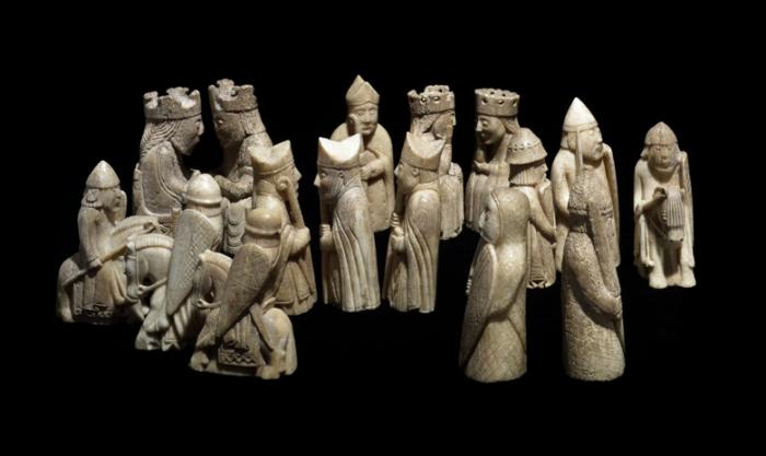 Потрясающие древние артефакты из кости.