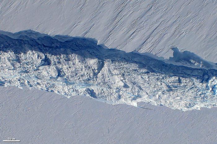 Ледник Пайн-Айленд - самый быстро тающий ледником Антарктиды.