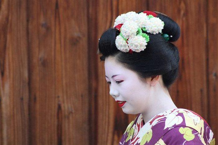 Такой узнаваемый японский макияж.