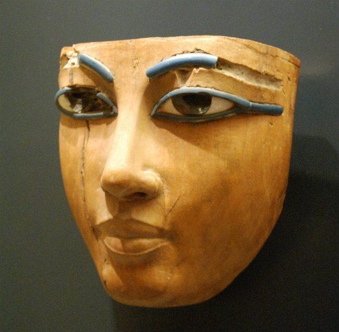 Макияж по-египетски.