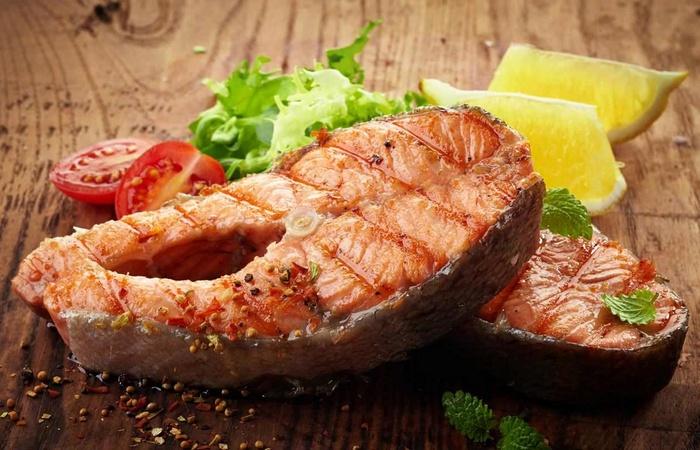 После 40 лосось не только вкусен, но и полезен.