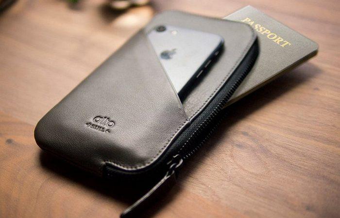 Кошелек ручной работы из итальянской кожи для телефона и паспорта.