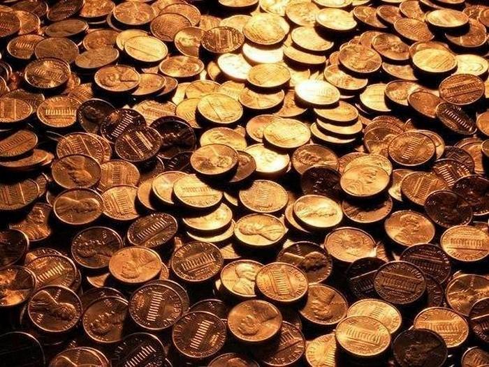 Монетки в цветочном горшке.