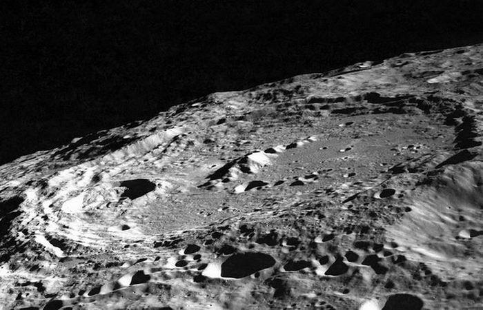 Странные кратеры Луны.