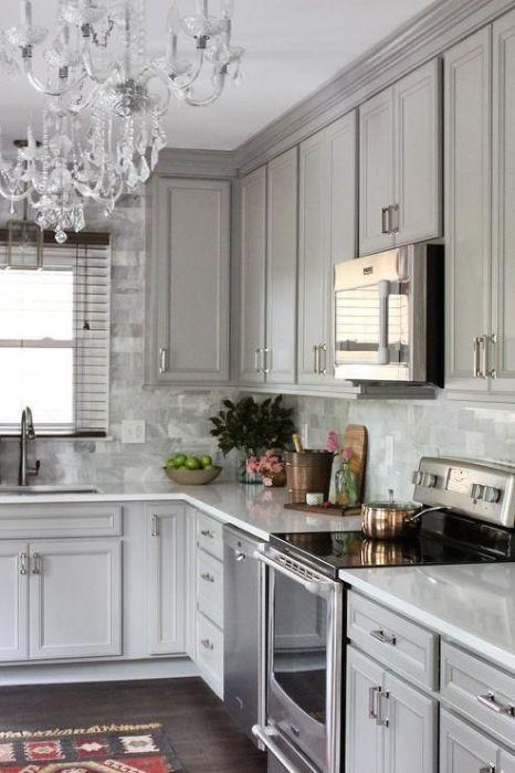 И даже на кухне хрусталь уместен.