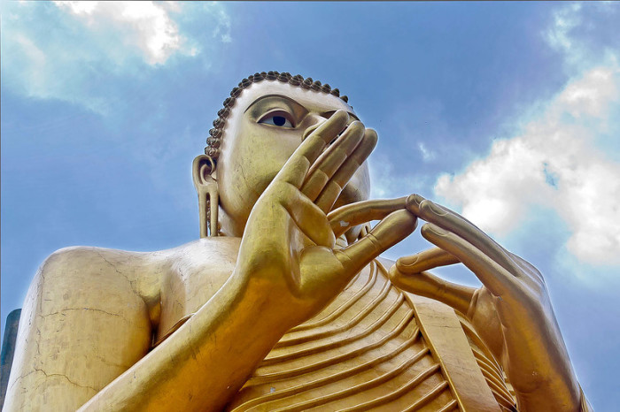 Жесты Будды, или как использовать мудры в доме.
