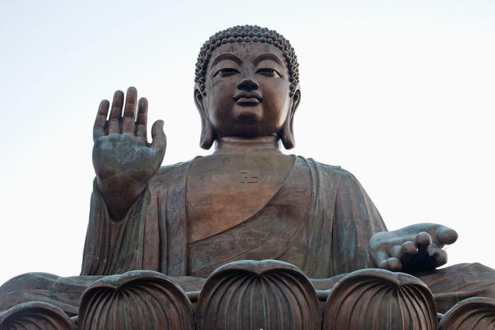 Будда бесстрашный и защищающий.