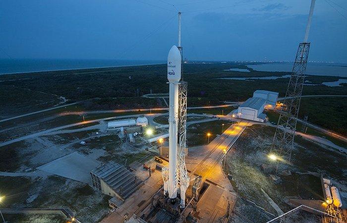 Технологическая новинка 2017 года: «SpaceX Falcon».